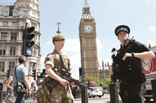 """Polícia britânica diz que """"grande parte"""" da rede terrorista foi detida"""