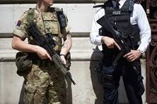Polícia britânica já deteve 10 suspeitos de ligações ao ataque em Manchester