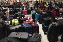Avaria no sistema de bagagens instaura caos em Aeroporto de Londres