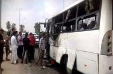 Ataque contra cristãos coptas faz 28 mortos no Egito