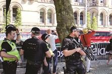Polícia britânica detém 14.º suspeito de atentado em Manchester