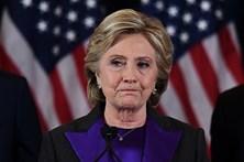 """Hillary Clinton chama """"asqueroso"""" a Trump em novo livro de memórias"""