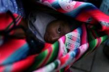 Detida mãe boliviana por vender bebé de seis meses por 256 euros