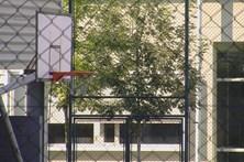 Pedófilo ataca na escola e filma