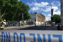 Teatro em Londres reaberto após ameaça de bomba