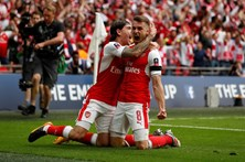 Arsenal vence Chelsea e conquista Taça de Inglaterra