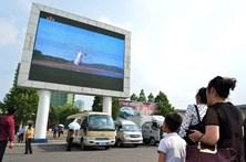 Kim Jong-Un supervisiona testes de novo sistema de defesa antiaéreo