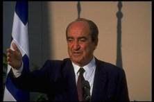 Morreu o antigo primeiro-ministro grego Constantine Mitsotakis