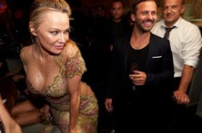 """Tornei-me louca pelo meu físico"", admite Pamela Anderson"