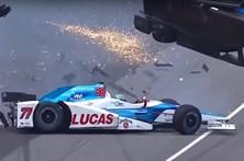 Carro parte-se ao meio em acidente arrepiante no Indy 500