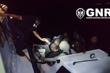 GNR resgata 14 migrantes à deriva no mar Egeu