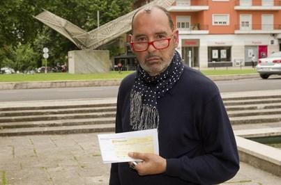 Padre acusado de calote divide paroquianos