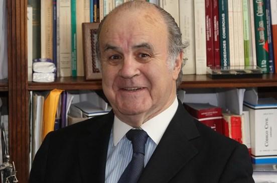 Morreu António Pires de Lima