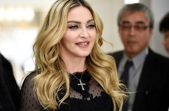 Madonna discute futuro do filho com Nuno Gomes