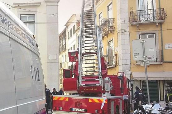 Cliente preso por incendiar pensão em Lisboa