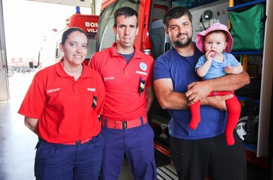 Bombeiros salvam bebé três vezes