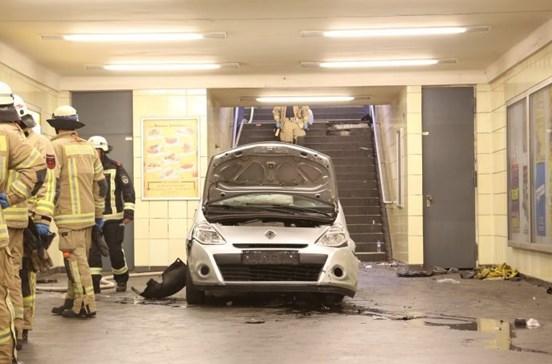 Carro descontrolado atropela várias pessoas em Berlim