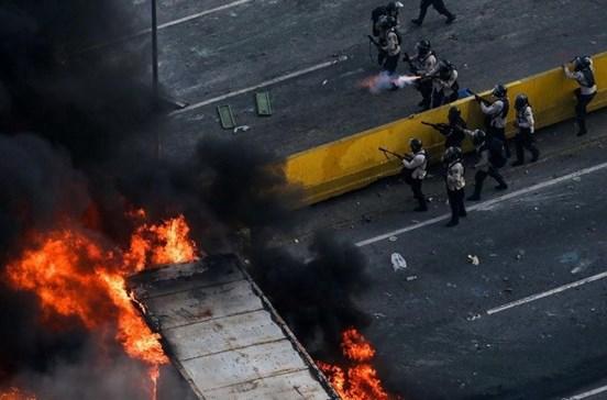 Secretário de Estado faz visita de urgência à Venezuela