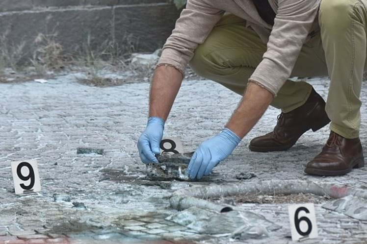 Bomba artesanal explode em Roma