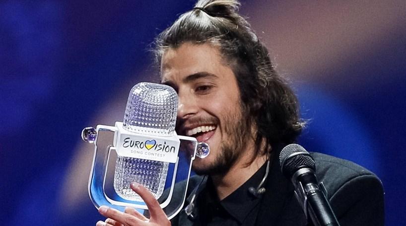 Concorrente sueco critica Salvador Sobral