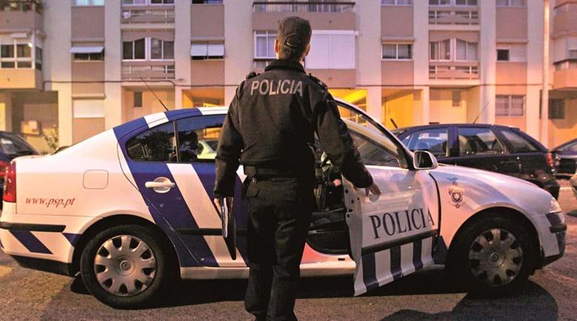 Dois carros patrulham maior divisão da PSP