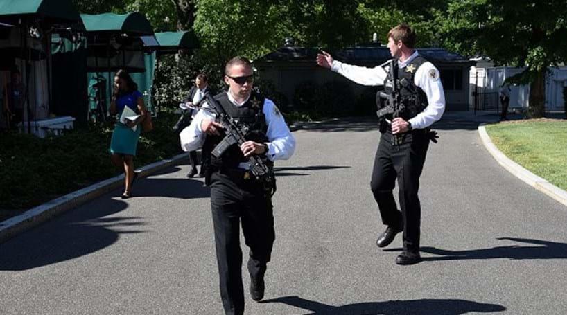 Detida pessoa que tentou saltar barreira de segurança da Casa Branca