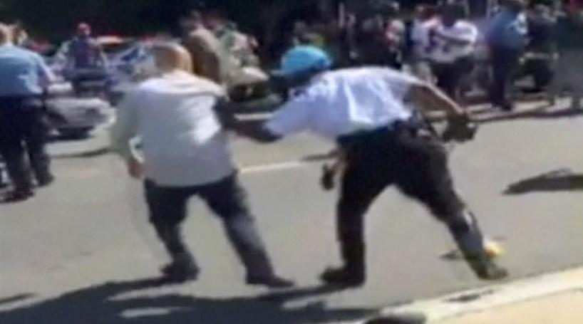 Protestos em frente à embaixada turca no EUA provocam 12 feridos