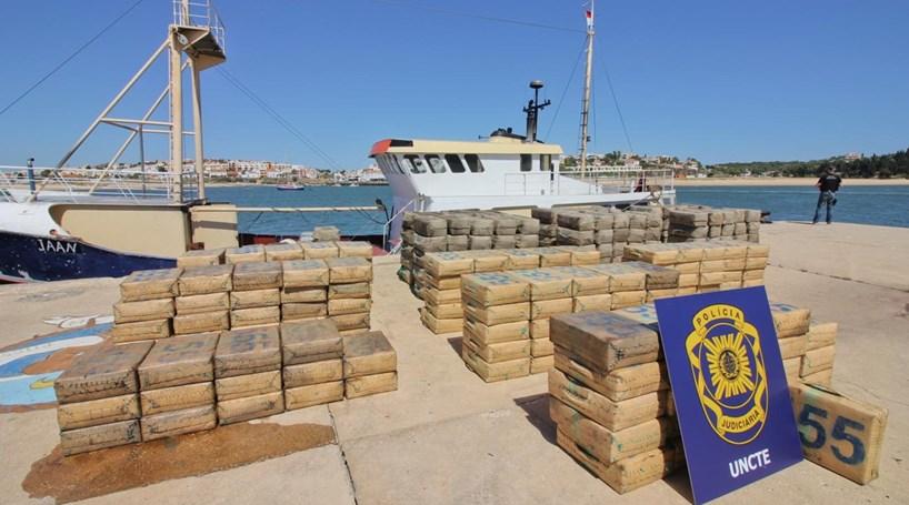 PJ deteve seis homens e 10 toneladas de haxixe num barco no Mediterrâneo