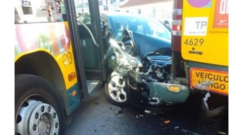 Acidente com autocarros da Carris no Campo Pequeno