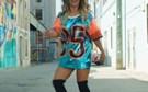 Luciana Abreu exibe corpo de sonho em videoclip de 'El Camarón'