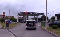 Três encapuzados assaltam bomba de gasolina