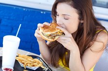 Ministro da Saúde avalia taxa para 'fast-food'
