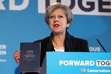 Chefes de gabinete de Theresa May demitem-se devido a resultado eleitoral