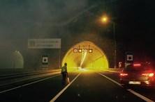Resultado de imagem para Autocarro que ardeu no túnel do Marão transportava 20 pessoas, nenhuma ferida