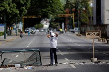 Cinco mortos nas últimas 24 horas em protestos anti-governamentais na Venezuela