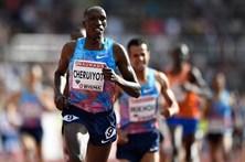Timothy Cheruiyot regista melhor marca mundial do ano nos 1.500 metros