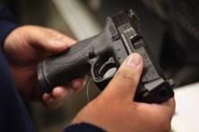 Armas de fogo matam 19 crianças por dia nos EUA