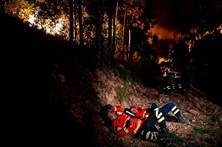 Alunos do 9º ano doam mealheiro aos bombeiros de Castanheira de Pera