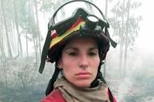 Bombeira torna-se rosto do combate às chamas no feminino