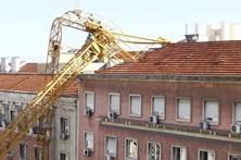 Queda de grua em Lisboa faz um ferido