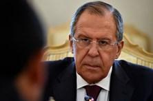 """Sanções dos EUA à Rússia """"ameaçam conjunto das relações"""""""