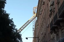 Queda de grua em Lisboa faz um ferido ligeiro