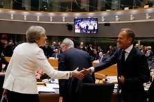 UE critica plano de May para proteger europeus que vivem no Reino Unido