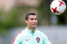 Fernando Santos não poupa Ronaldo
