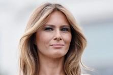 Faz oito operações para ficar igual a Melania Trump