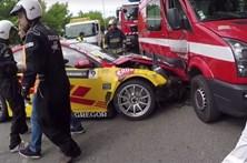 Bólide em despiste fere dois bombeiros