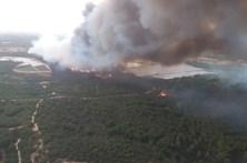 Incêndio em Espanha atinge parque natural e obriga à retirada de 2000 pessoas