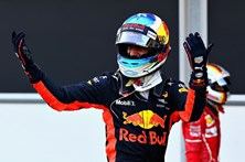 Daniel Ricciardo conquista primeiro triunfo do ano no GP do Azerbaijão