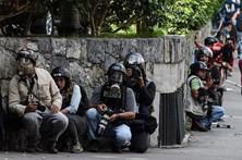 Sindicato contabiliza 376 jornalistas agredidos em 85 dias de protestos na Venezuela