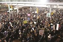 Supremo dos Estados Unidos restabelece decreto anti-imigração